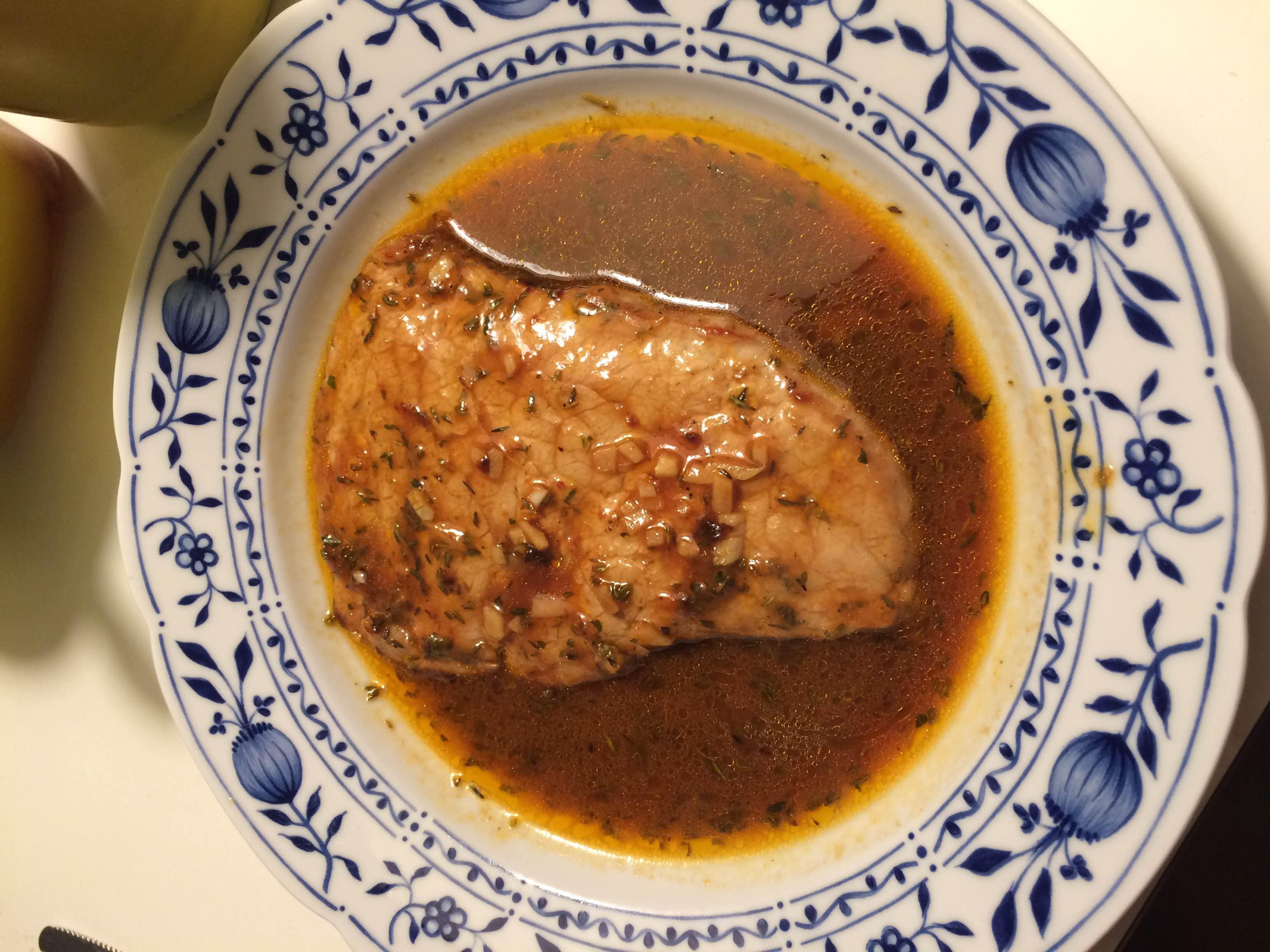 Kalfsschnitzel met knoflook en thijm